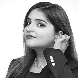 Heena Bhambhlani Headshot